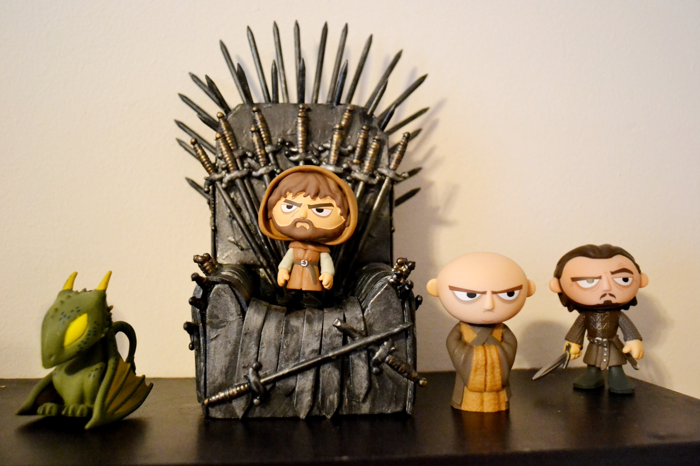 mini iron throne diy from game of thrones unicorn hideout